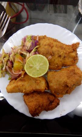 Surjit Food Plaza: Amritsari Fish - Yummy!