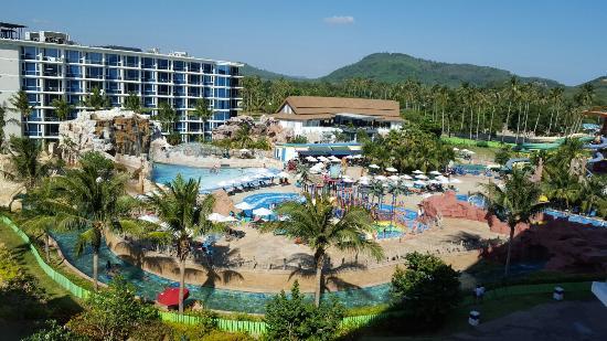 Phuket Hotel on Karon Beach | Centara Grand Beach Resort