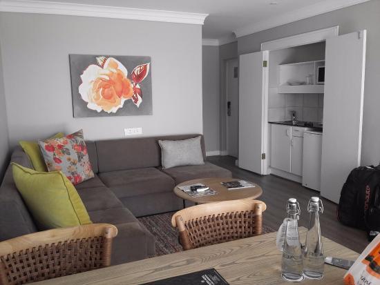 salon de chambre luxe - Picture of Protea Hotel by Marriott ...