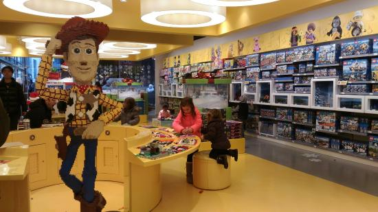 P 20151224 122916 picture of lego store for Lago store outlet