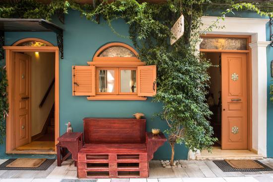 Kyveli Suites: Exterior Photo