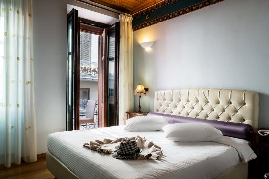 Kyveli Suites: Interior Photo