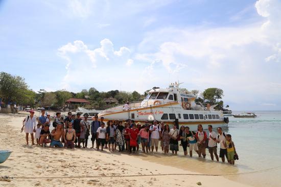 Marina Srikandi Fast Boat: Marina Srikandi 11 in Lembongan