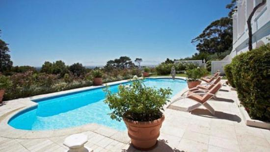 Tokai, Südafrika: Pool 3. There are two outdoor and 1 indoor swimming pools.