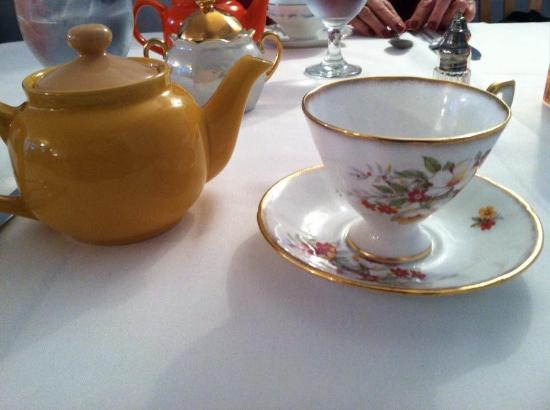 Tea With Tracy: Beautiful china and tea pots