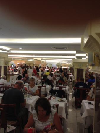 Hotel Florida Park : столпотворение в ресторане
