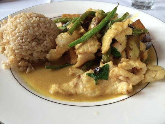 Southbury, CT: Thai Curry Chicken with brown rice