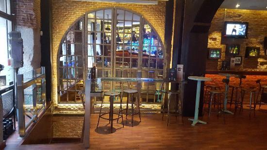 Cocktail Bar 47