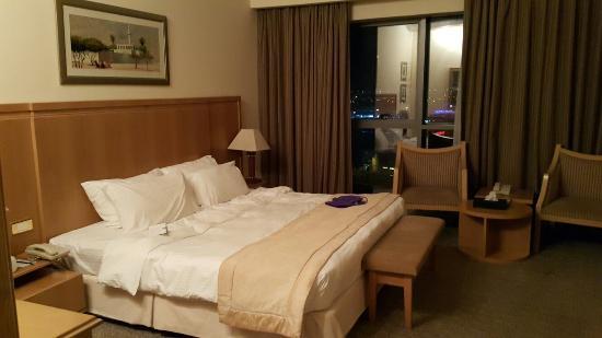 Photo of City Seasons Hotel Dubai