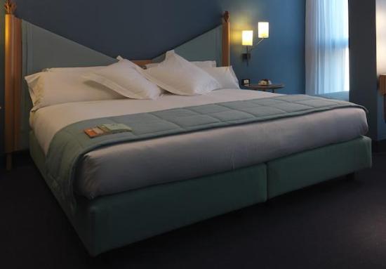 ホテル スパダーリ アル ドゥオーモ Image
