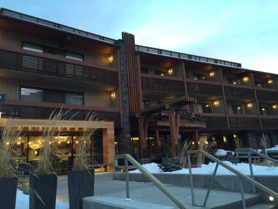 Front View Of Hotel Picture Of Banff Aspen Lodge Banff