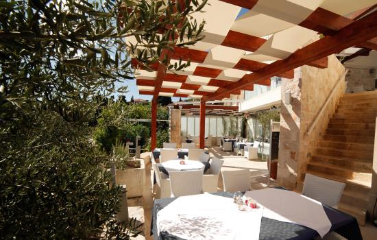 Hotel Korsal: main terrace