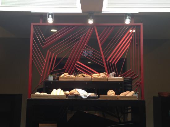 Dan Boutique Jerusalem: Colazione angolo del pane