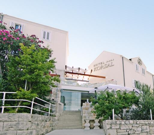 Hotel Korsal: front 2