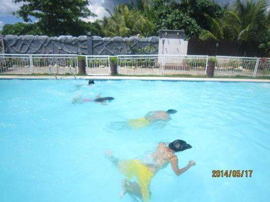 Balamban, Filipina: family's bonding