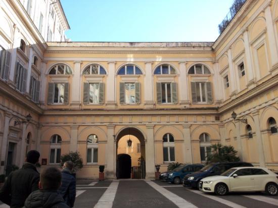 конкретного человека палаццо валентини официальный фото церкви