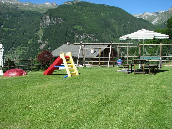 Rocce In Giardino.Giardino Con Giochi Per Bambini Picture Of Residence Fior