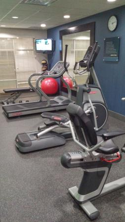 La Quinta Inn & Suites Corpus Christi-N Padre Isl.: Gym equipment