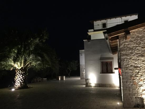 Corato, Italia: Struttura esterna