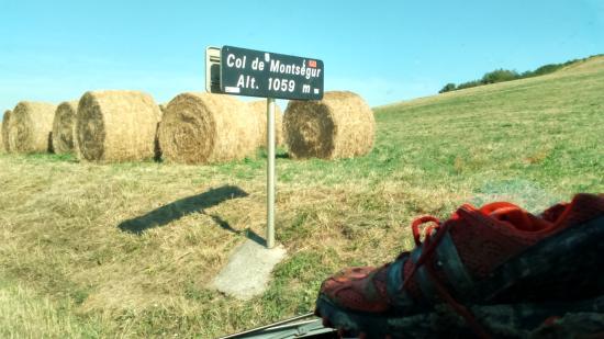 Montsegur, Frankrike: départ du sentier menant au chateau