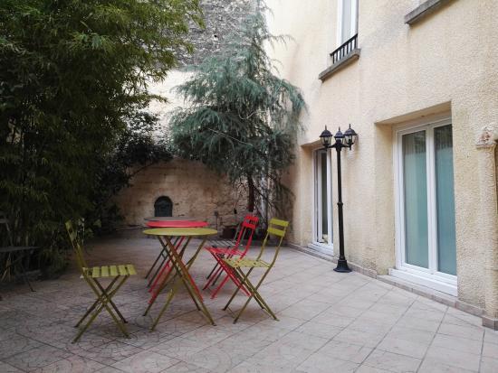 Hotel Pavillon de Montmartre : Terrasse extérieure
