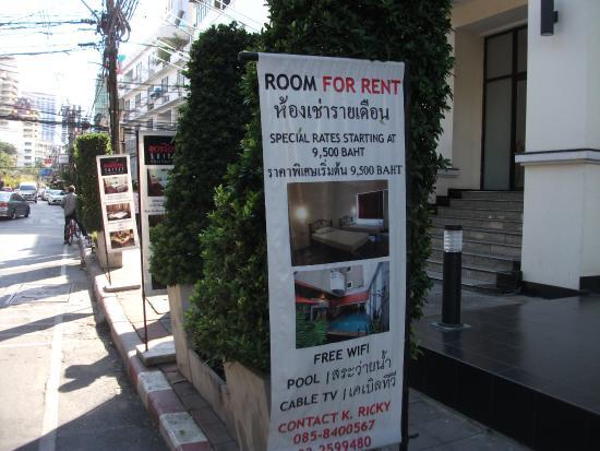 The Euro Grande Hotel: Entrance sign