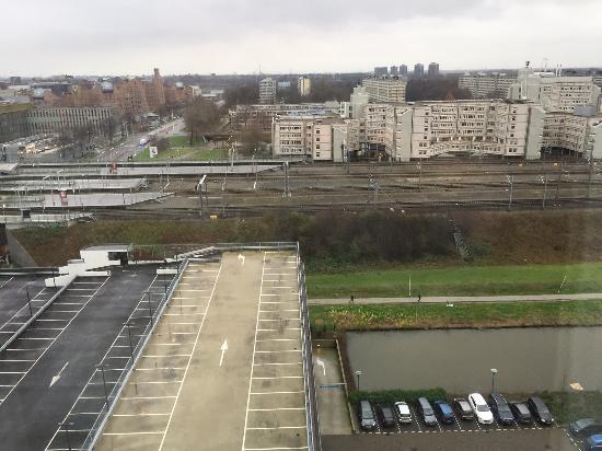 mooier (?!) uitzicht 'superior room' (kamer 1220) - picture of, Badkamer