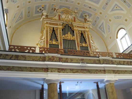Basilica Santa Maria della Neve