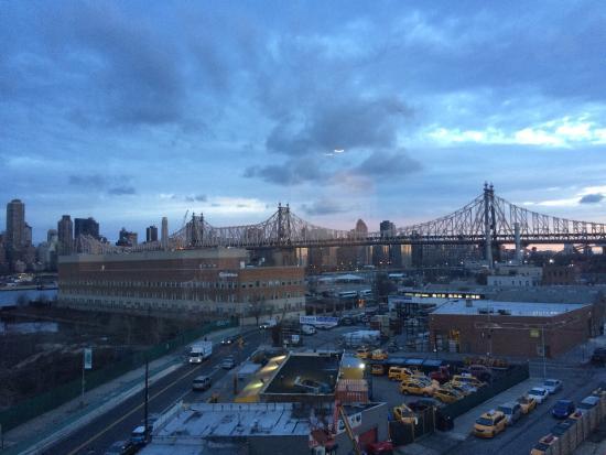 Foto De Wyndham Garden Long Island City Manhattan View Long Island City Aussicht Aus Zimmer