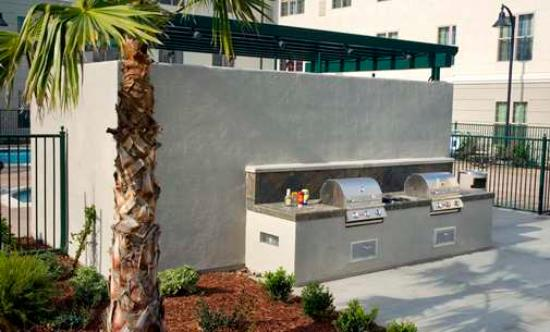 Homewood Suites by Hilton Sacramento Airport-Natomas: Outdoor Grill Area