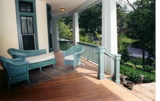 Bethesda, MD: Front porch, Victorian style