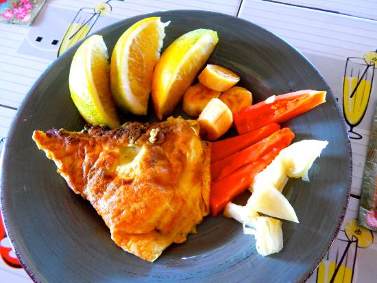 Little Bay, Jamaica: Omelets like no other