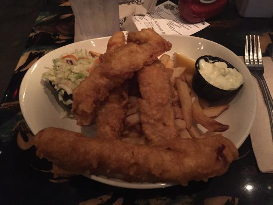 Rainforest Cafe - Disney Animal Kingdom : Fish and Chips... DO NOT RECOMMEND