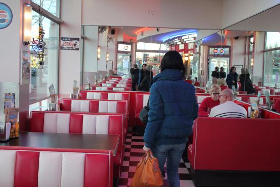 Franky\'s diner nice decoration - Picture of Franky\'s Diner ...