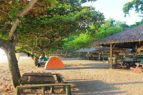 Isla Reta Beach Resort Pool Area