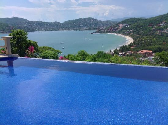 La Escollera: Refreshing pool awaits