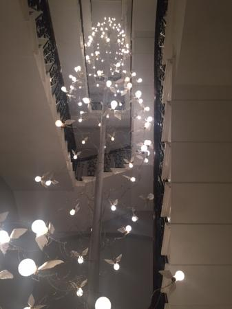 The Ampersand Hotel: Decorative staircase