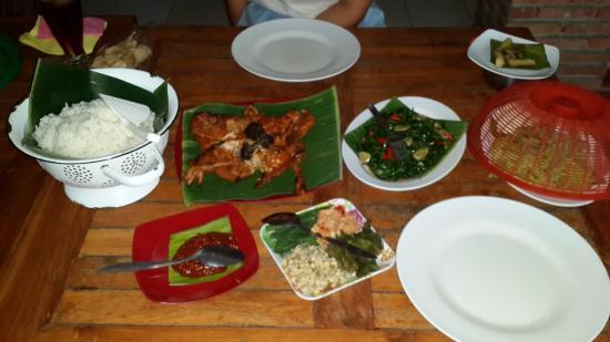 Ayam Panggang 77 Banjarejo