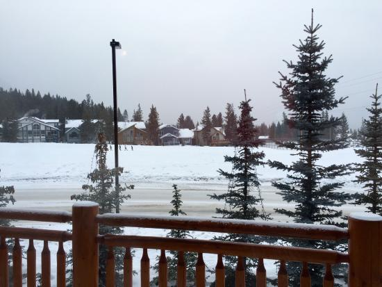 A Bear and Bison Canadian Country Inn: photo2.jpg