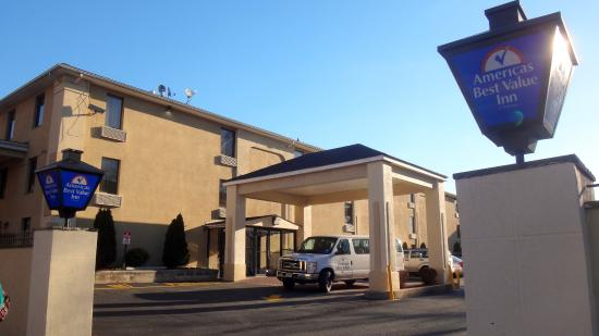 Irvington, NJ: Fachada do hotel