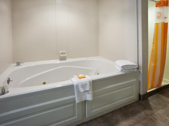 La Quinta Inn & Suites  San Antonio Downtown: Guest room