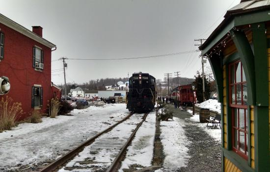 Boyertown, Πενσυλβάνια: Getting the train ready