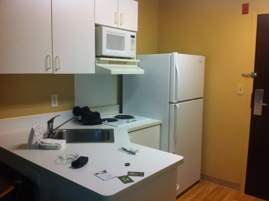 Extended Stay America - Atlanta - Morrow: Kitchen