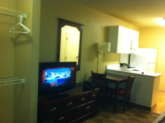 Extended Stay America - Atlanta - Morrow: Living area