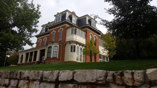 photo0.jpg - Picture of Historic General Dodge House, Council Bluffs