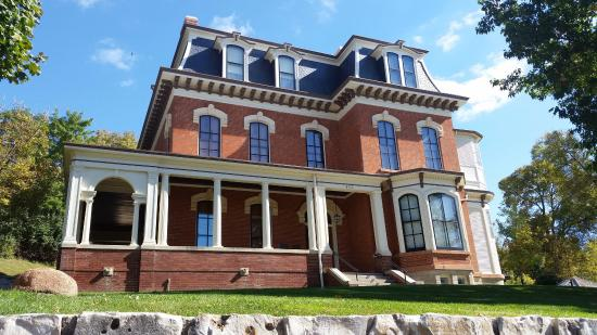 photo5.jpg - Picture of Historic General Dodge House, Council Bluffs