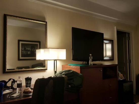 San Carlos Hotel: TA_IMG_20151228_230237_large.jpg
