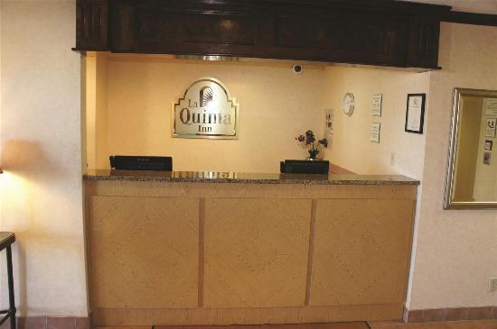 聖路易斯黑茲爾伍德拉昆塔套房飯店照片