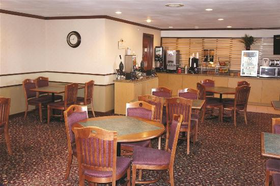 La Quinta Inn St. Louis Hazelwood- Airport North: Restaurant