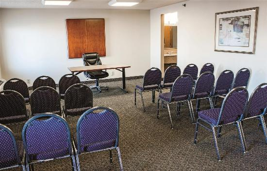 La Quinta Inn St. Louis Hazelwood- Airport North: Meeting room
